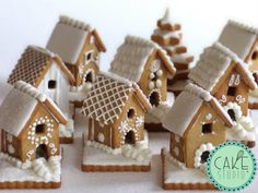 DIY ideas for simple Christmas cookies; DIY ideas for simple Christmas cookies; Christmas Crafts … – Ideas / Tips – Christmas Gingerbread House, Christmas Sweets, Christmas Cooking, Christmas Goodies, Simple Christmas, Gingerbread Cookies, Christmas Gifts, Christmas Decorations, Gingerbread Houses