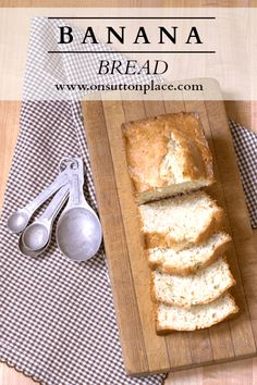 Hope this is moist. So many banana bread recipes come out dry. Super simple recipe for homemade Banana Bread that uses basic pantry ingredients and is so moist it melts in your mouth! Homemade Banana Bread, Easy Banana Bread, Banana Bread Recipes, Quick Bread, Just Desserts, Delicious Desserts, Dessert Recipes, Yummy Food, Tasty