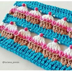"""diy_crafts- """"Woolly happiness for Monday mo"""", """"Woolly happiness for Monday morning comes to you in the form of crochet cupcakes, the only ca Crochet Waffle Stitch, Crochet Wool, Crochet Art, Love Crochet, Crochet Motif, Crochet Flowers, Crochet Stitches, Diy Crafts Crochet, Crochet Projects"""