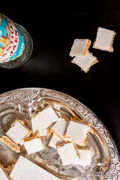 "Tasty, tasty home-made ""Alfajor"". A traditional Spanish christmas recipe made of the richest toasted almonds, cinnamon and anise. Yum! // Rico, rico ""Alfajor"" casero. Una receta navideña de tradición Española, elaborada con las almendras tostadas más ricas, canela y anís... ¡ÑAM!"