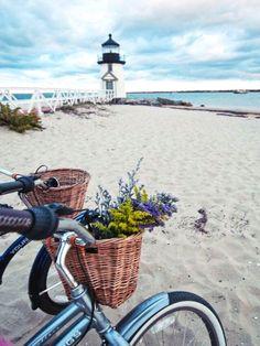 Nantucket Bike Baskets -Cruising the Beach in Style:http://beachblissliving.com/nantucket-bike-baskets/