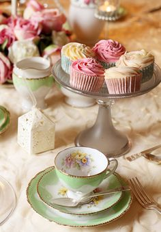 Cupcakes and Vintage Crockery by saddleworthshindigs on flickr