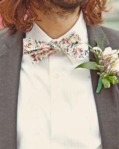We love this groom's vintage look