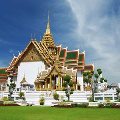 Top 8  World Most Amazing Temples You Must Visit