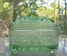 Tiara Indiana Glass Chantilly Green Honey Box & Cover #IndianaGlass