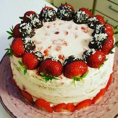 nouw.com/byjasmineitaliano Cheesecake, Desserts, Food, Tailgate Desserts, Deserts, Cheesecakes, Essen, Postres, Meals