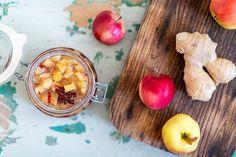 Kotimaisista omenoista valmistat liha- ja kanaruokien parhaimman lisäkkeen, hapokkaan mutta samalla makean ja mausteisen chutneyn, jota voit tarjota grillatun ja paistetun lihan ja kanan kanssa. Tämä on helppotekoinen ja maistuva lisäke, jolla ilahdutat myös naapureita ja ystäviä. Keitä kerralla iso kattilallinen. Chutney, Iso, Chili, Vegetables, Chile, Vegetable Recipes, Chilis, Chutneys, Veggies
