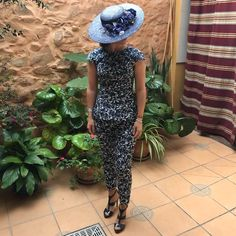 Invitada perfecta total look azul marino @martabonaque
