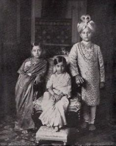 Vintage India - Maharajah Jaya Chamaraja Waidyar of Mysore with.