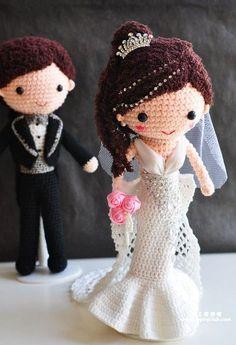 Crochet bride and groom. Free Crochet Bag, Love Crochet, Beautiful Crochet, Crochet Baby, Knit Crochet, Amigurumi Patterns, Amigurumi Doll, Doll Patterns, Crochet Patterns