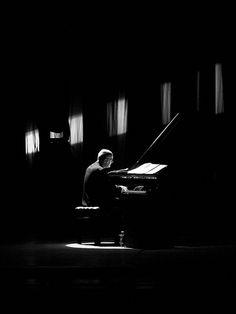 Again, liking the idea of zooming in on the piano when Austin gets into his head/into the music. Musician Photography, Nude Photography, Black And White Photography, Piano Photography, Music Like, Music Is Life, Best Digital Piano, Yamaha Piano, Le Piano