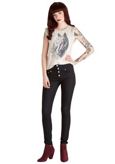 Karaoke Songstress Jeans in Black. When its your turn at the karaoke mic, you confidently rush to the front of the room clad in these high-waisted skinnies - a ModCloth exclusive! #black #modcloth