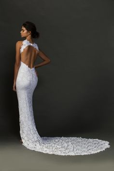 The Alexandra gown is for the woman who is a showstopper – she wants to look striking and feminine, but in a sophisticated and understated way.