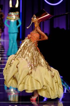 seaborder:    John Galliano for Christian Dior Spring 2004 Haute Couture