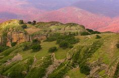 http://www.jsphotomorgana.com/landscapes/46meteora_crveno_zeleno.html