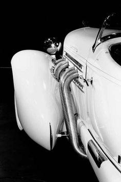 1935 Auburn 851 Speedster What a beautiful sight. The prettiest car of all.