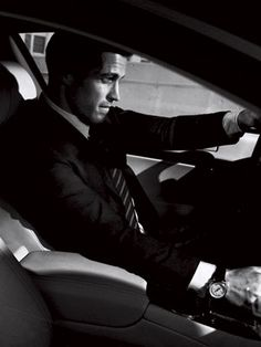a man in a car with that look... YES!