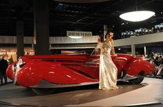 A-MODEL-SHOWING-A-NEW-ART-DECO-DESIGN-AUTOMOBILE                        WOW!! I LOVE THIS CAR!!