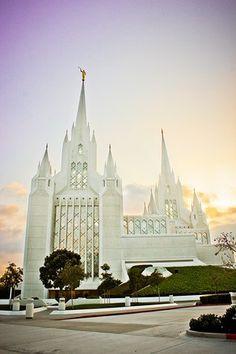"""The San Diego temple: """"Mormon Disneyland"""" Mormon Temples, Lds Temples, San Diego Temple, Disneyland, Lds Temple Pictures, Church Pictures, Later Day Saints, Jesus Christus, Lds Mormon"""