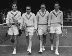 Left to right: Tony Mottram (GBR), Jaroslav Drobny (Czech), Geoffrey Paish (GBR) & Vladimir Cernik (Czech) - 1949 Davis Cup Championships at the All England Lawn Tennis and Croquet Club, London England Preppy Men, Preppy Style, Tennis Players, Hockey Players, Lacoste, Tennis Wallpaper, 1920 Men, Tennis Fashion, Fashion Men