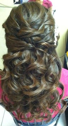 Oh Emily come back so I can do this to your hair! Cause it's gorgeous and would look way good with your red hair!!