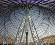 Khan Shatyr is an excellent building full of design inspirations, with a gorgeous color effects, just amazing. #normanfoster #khanshatyr #designinspirations #coloreffects #architectureprojects #architect