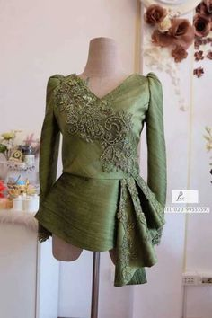 Dress vintage modern beautiful 33 new ideas Batik Dress, Lace Dress, Dress Up, Hijab Fashion, Fashion Dresses, Model Kebaya, Kebaya Dress, Thai Dress, Muslim Dress