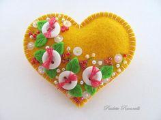 yellow felt heart pin [via beedeebabee]
