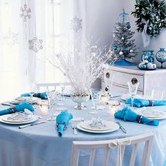 HomeGoods | Holiday Tablescapes for Every Taste and Style