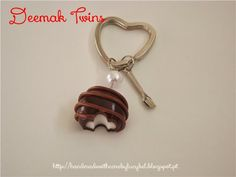 "Deemak Twins: Porta-chaves ""Bombom com Recheio"""