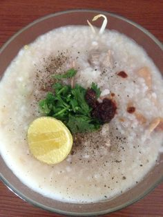 Pork Chop and Squid Congee (Cháo Sườn Mực) from mommy <3. I prefer adding more lime juice, chili paste, pepper and coriander on top to imcrease its flavor. How abt you? ;)  From www.vietnamesefood.com.vn
