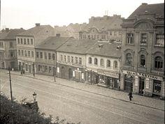 Praha, Text Pictures, Czech Republic, Beautiful Places, Louvre, Black And White, Building, Travel, Life