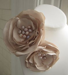 Loving this fabric flower Brooch.....