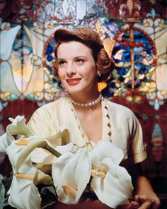 The beautiful Jean Peters 💐.The beautiful Jean Peters 💐 . Old Hollywood Glamour, Golden Age Of Hollywood, Vintage Hollywood, Classic Hollywood, Vintage Beauty, Vintage Fashion, Jean Peters, Easter Parade, Classic Movie Stars