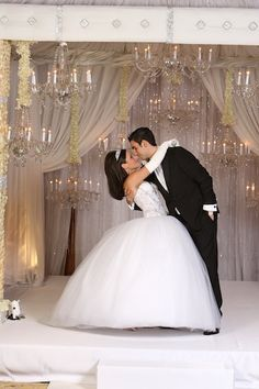 Such a beautiful dress and amazing ceremony site as only David Tutera could acheive.