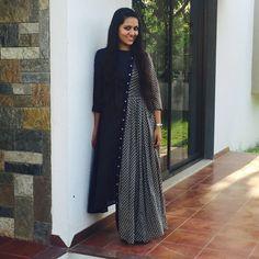 Things to do in Ahmedabad Kurta Designs, Kurti Designs Party Wear, Blouse Designs, Party Wear Dresses, Casual Dresses, Fashion Dresses, Kurti Sleeves Design, Kurti Styles, Indian Gowns