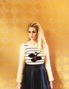 London Grammar: Wasting My Young Years London Grammer, Most Beautiful Women, Grammar, Leather Skirt, Interview, Style Inspiration, Outfits, Collection, Taps