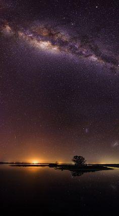 """inefekt: """"Island Point Milky Way Nikon d5100 - 6 x 25s - ISO 4000 - f2.8 - 16mm """" Location: Western Australia"""