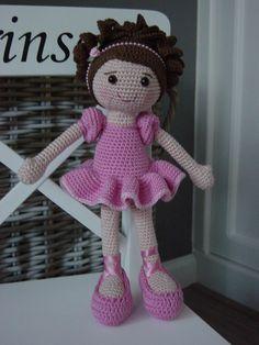 Ballerina Crochet Pattern by DutchDollDesign on Etsy Crochet Cat Pattern, Crochet Bear, Love Crochet, Crochet Patterns, Crochet Crafts, Yarn Crafts, Crochet Projects, Knitted Dolls, Crochet Dolls
