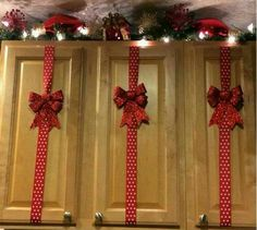 Decorate the cupboards with ribbons for Christmas