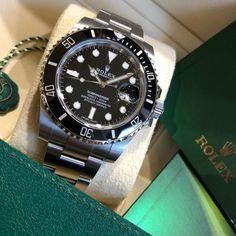 Rolex horloges voor mannen. - Spiegelgrachtjuweliers.nl | rolex watches for men | rolex horloge voor heren | rolex horloge voor mannen | vintage watches | vintage horloges | horloges heren #spiegelgrachtjuweliers #horloge #rolex #rolexwatches Used Rolex For Sale, Rolex Watches For Sale, Luxury Watches, Vintage Watches For Men, Vintage Rolex, Rolex Watch Price, Cheapest Rolex, Amsterdam Shopping