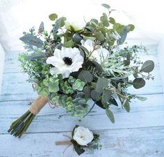 アネモネとローズ、ユーカリいっぱいのナチュラル・クラッチブーケ(造花ブーケ) Wedding Bouquets, Wedding Flowers, Natural Bouquet, How To Wrap Flowers, Ikebana, Dried Flowers, Flower Designs, Flower Arrangements, Wedding Ceremony