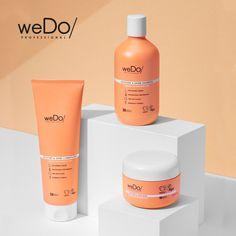 weDo/ Professional ist die neue Marke für Haar- und Hautpflege, geprägt von der Überzeugung, dass wir zusammen eine schönere und nachhaltigere Zukunft erschaffen können – für dich, für andere und für den Planeten. Moisture & Shine - die minimalistische Rezeptur reinigt sanft die Kopfhaut und das Haar und macht es geschmeidig, glänzend und spendet Feuchtigkeit. #togetherwedo #wedolovers #wedo #veganfriendly #ecofriendly Social Media Plattformen, Hair Care Brands, Shinee, Still Life, Shampoo, Moisturizer, Perfume Bottles, Personal Care, Beauty