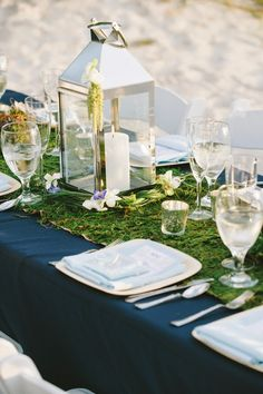 Oceanside wedding in navy, white, and green  |  The Frosted Petticoat