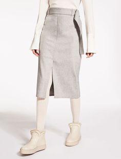 Max Mara NATURA light grey  Wool and cashmere skirt. Max Mara b8b7cae4f45