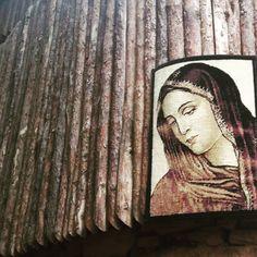 "9 Me gusta, 1 comentarios - Sezen🦋 (@sezengurakar) en Instagram: ""Dearest mother 🌹 #VirginMary #Christsmother"""