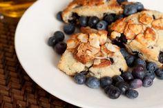Oil free blueberry struesel scones3