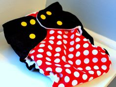 Mickey-inspired pocket diaper - great for those hot summer theme park days! MouseTalesTravel.com
