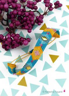 Micro macrame bracelet / cuff, with miyku delica seed beads and stud. © Natacha Fayard #macrame #miyuki #delica #MicroMacrame #bracelet #cuff #stud #mustard #yellow #teal #pink #gold #Etsy #NatachaFayard