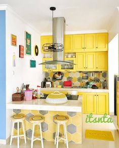 Tips, methods, furthermore overview when it comes to receiving the most ideal end result and also coming up with the max perusal of Classy Kitchen Decor Home Decor Kitchen, Kitchen Interior, Home Kitchens, Tiny Kitchens, Rustic Kitchen, Small Modern Kitchens, Small Kitchen Layouts, Yellow Kitchen Designs, Kitchen Yellow